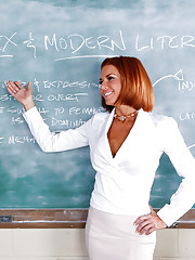 Preston is substituting a class for Veronica Avluv. The problem is that Preston is just a coach and Veronica's class is about sex & modern literature. Preston doesn't think he's qualified to teach that topic, but Veronica is confident t