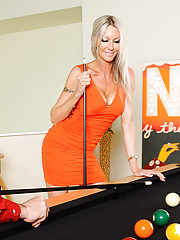 Emma Starr made a little pool wager with Johnny. If Johnny wins Emma will give him 0,000. If Emma wins than Johnny has to fuck her. Johnny is a faithfully married man, but he's certain he can beat a girl at pool so he accepts the wager. Johnny did