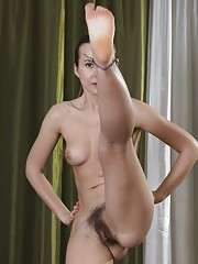 Lita is a slender Russian all-natural who does exercises 24/7. Showing off her perfect body. she reveals her hairy pits and hairy pussy while being fit. Naked at the end, she spreads her body so nicely.